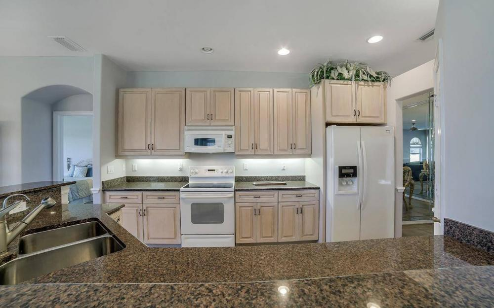 20370 Rookery Dr, Estero - Home For Sale 21101320