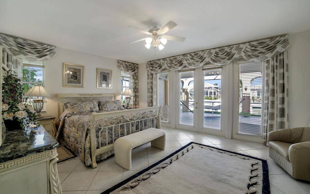 227 Edgewater Ct, Marco Island - Luxury Home For Sale 76981808