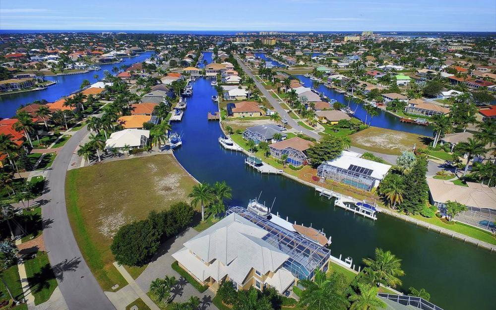 227 Edgewater Ct, Marco Island - Luxury Home For Sale 2127434914