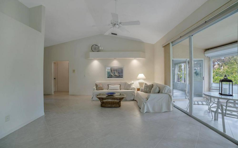 327 Emerald Bay Cir W-7, Naples - Condo For Sale 693927586