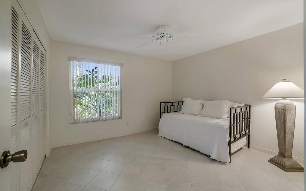327 Emerald Bay Cir W-7, Naples - Condo For Sale 341205274
