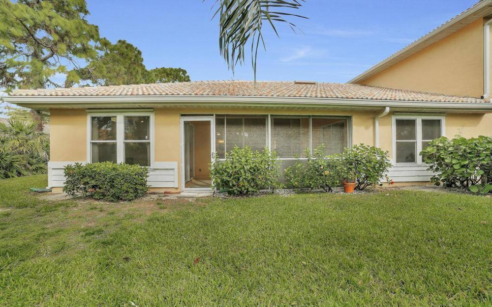 327 Emerald Bay Cir W-7, Naples - Condo For Sale 805956465