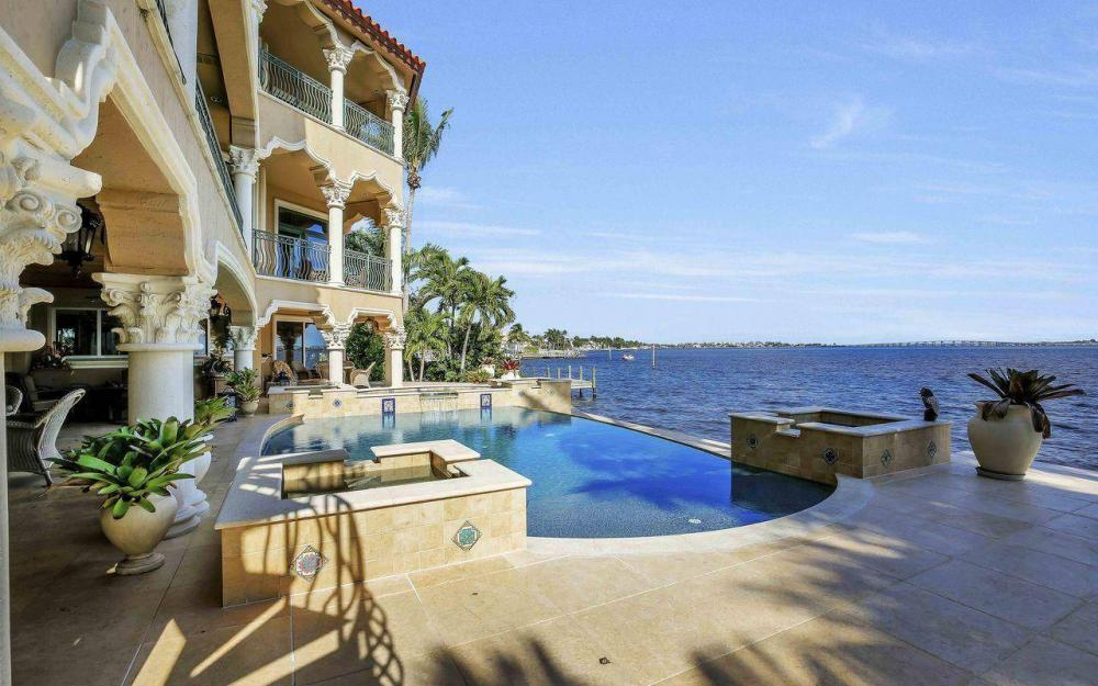 5649 Riverside Dr, Cape Coral - Luxury Home For Sale 826191736