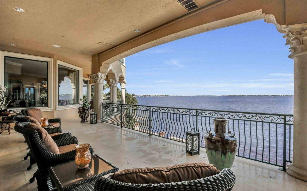 5649 Riverside Dr, Cape Coral - Luxury Home For Sale 2124827563