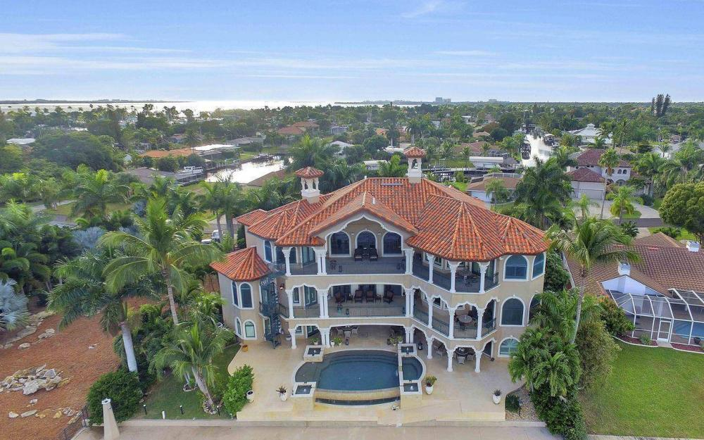 5649 Riverside Dr, Cape Coral - Luxury Home For Sale 376845110