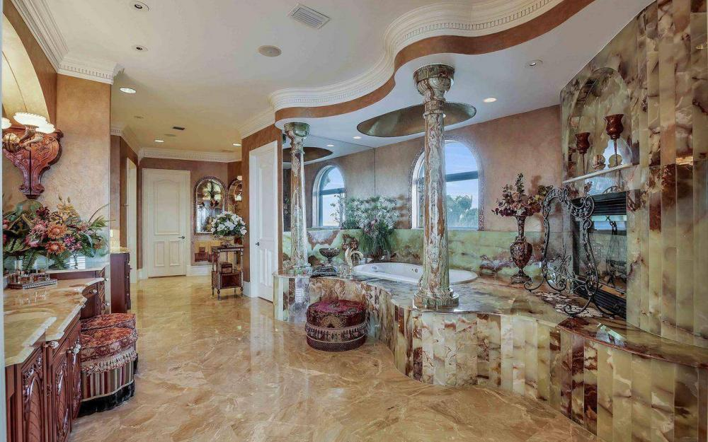 5649 Riverside Dr, Cape Coral - Luxury Home For Sale 340769150