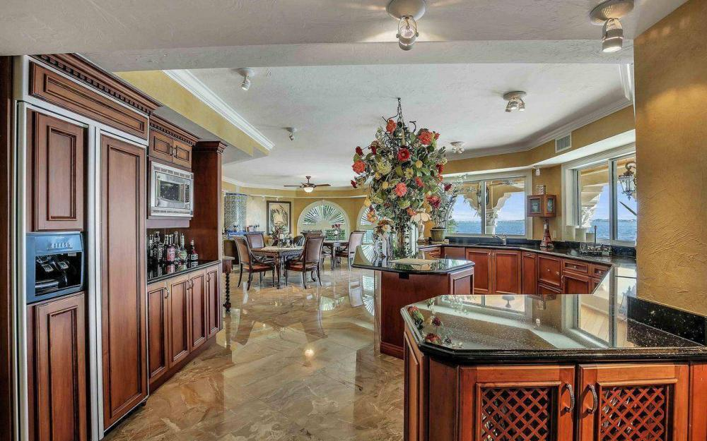 5649 Riverside Dr, Cape Coral - Luxury Home For Sale 209622796