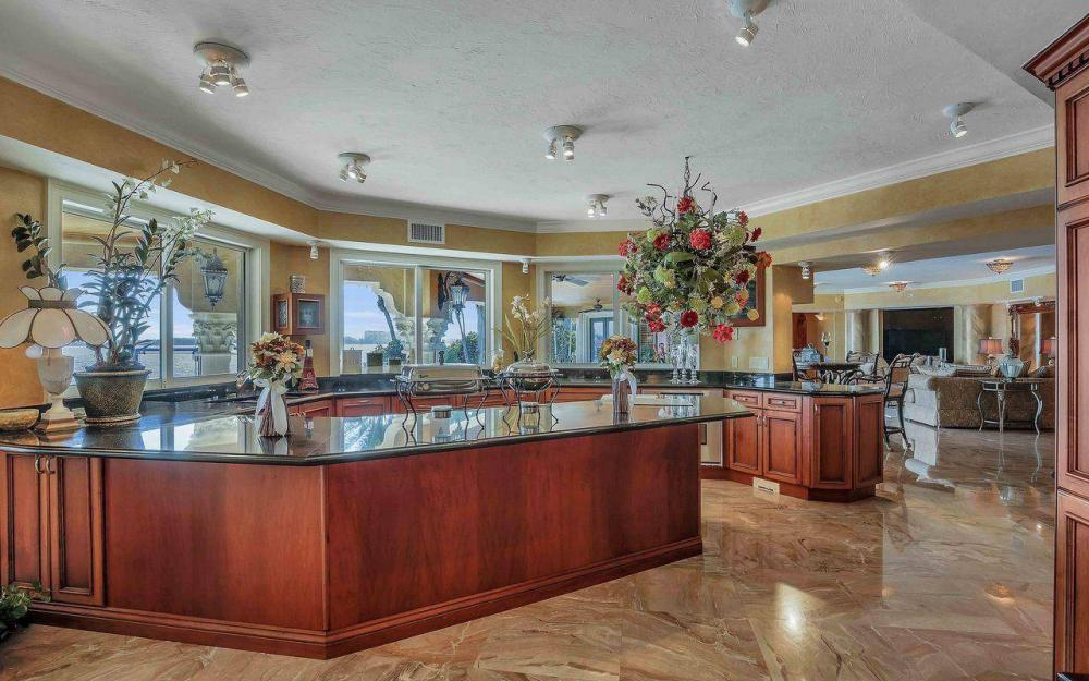 5649 Riverside Dr, Cape Coral - Luxury Home For Sale 1057820617