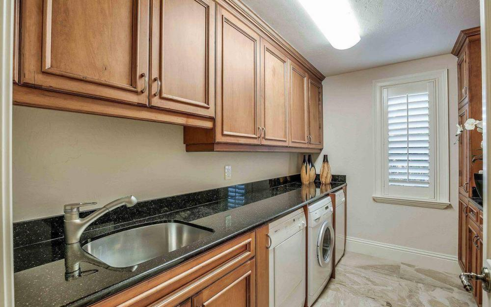 5649 Riverside Dr, Cape Coral - Luxury Home For Sale 441964108