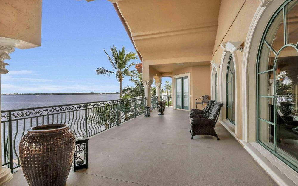 5649 Riverside Dr, Cape Coral - Luxury Home For Sale 21496409