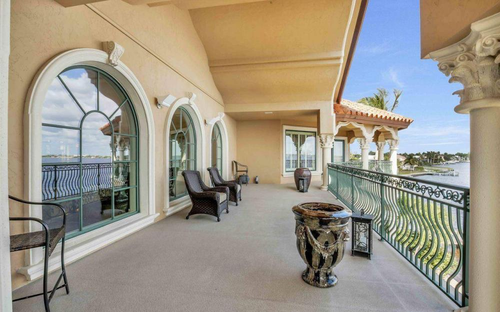 5649 Riverside Dr, Cape Coral - Luxury Home For Sale 1011558900