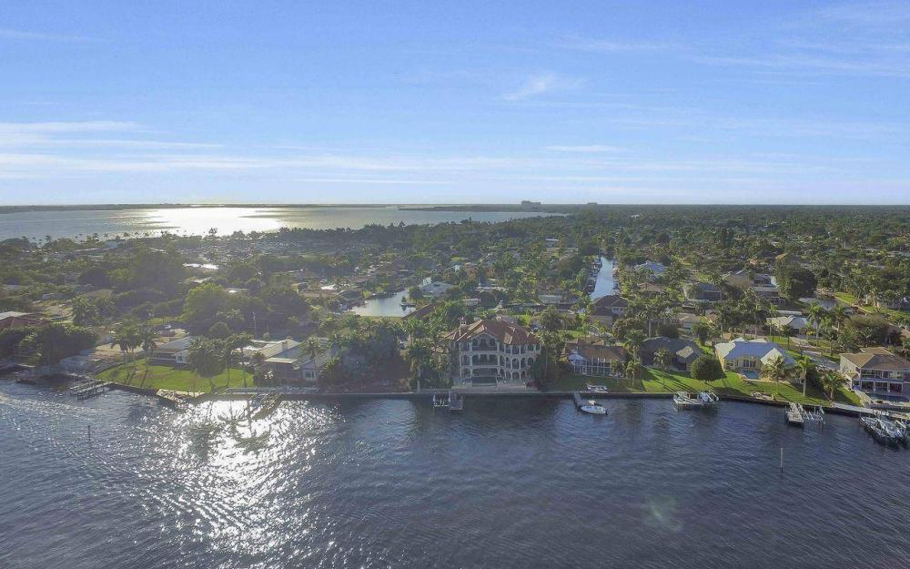5649 Riverside Dr, Cape Coral - Luxury Home For Sale 1579002575