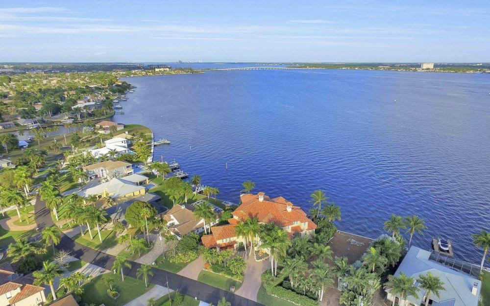 5649 Riverside Dr, Cape Coral - Luxury Home For Sale 547976829