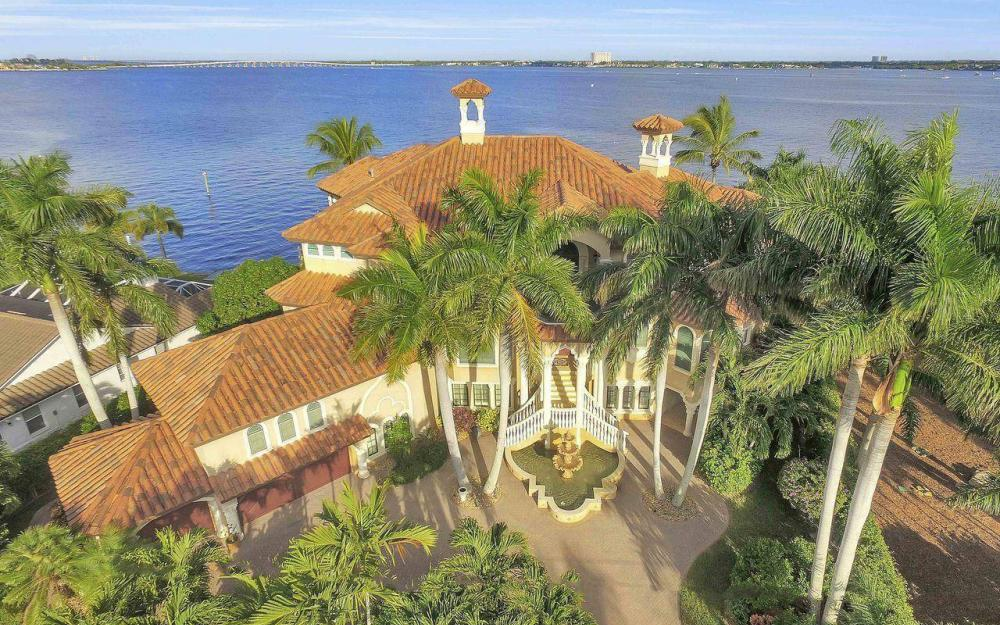 5649 Riverside Dr, Cape Coral - Luxury Home For Sale 762121236