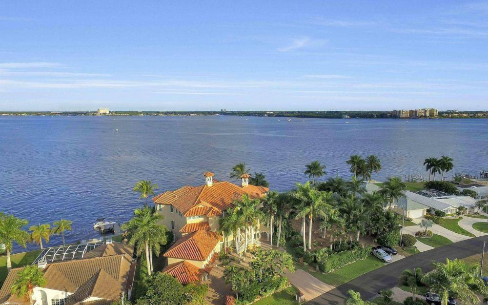 5649 Riverside Dr, Cape Coral - Luxury Home For Sale 1564297097