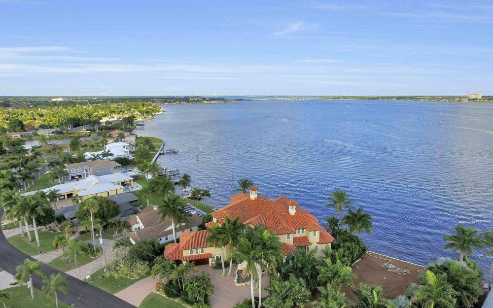 5649 Riverside Dr, Cape Coral - Luxury Home For Sale 1959322147