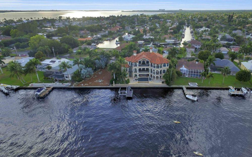 5649 Riverside Dr, Cape Coral - Luxury Home For Sale 899007406