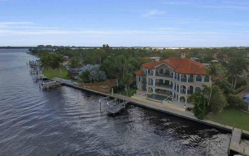 5649 Riverside Dr, Cape Coral - Luxury Home For Sale 946485470