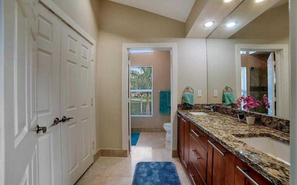 415 Swiss Ct, Marco Island - Home For Sale 14357450