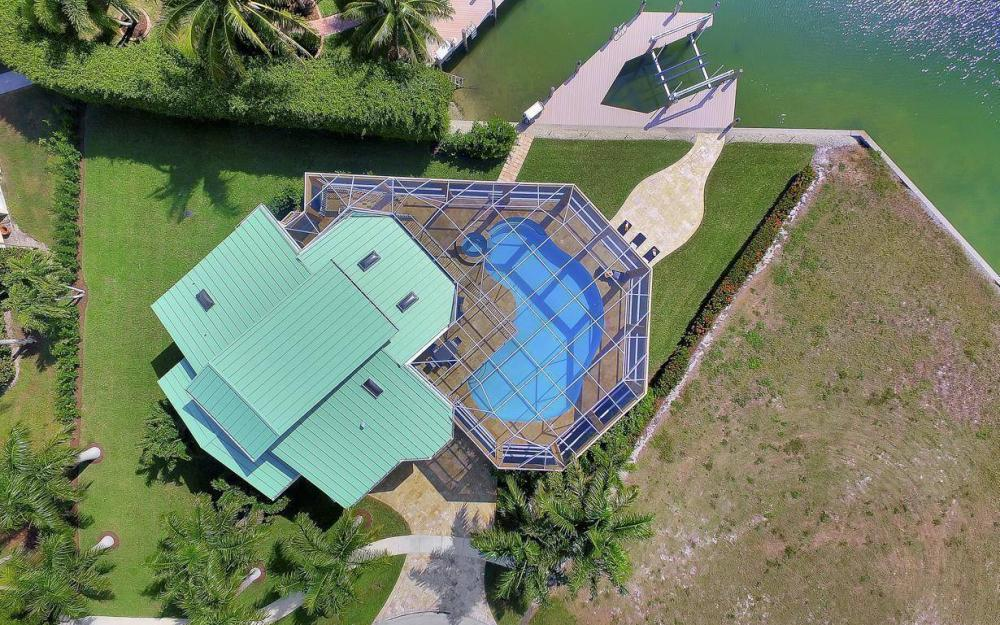 415 Swiss Ct, Marco Island - Home For Sale 1232004458