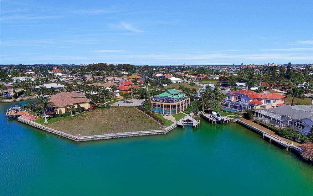 415 Swiss Ct, Marco Island - Home For Sale 1346337576