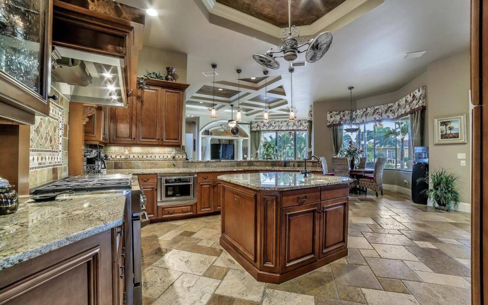 5651 Pennant Ct, Cape Coral - Luxury Home For Sale 3856695