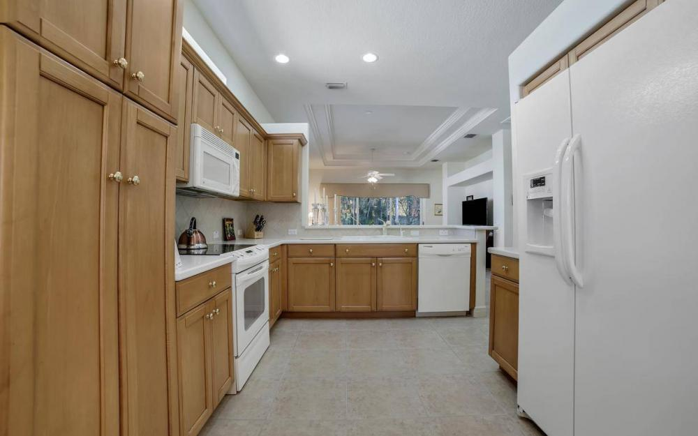 9146 Troon Lakes Dr, Naples - Home For Sale 72711150