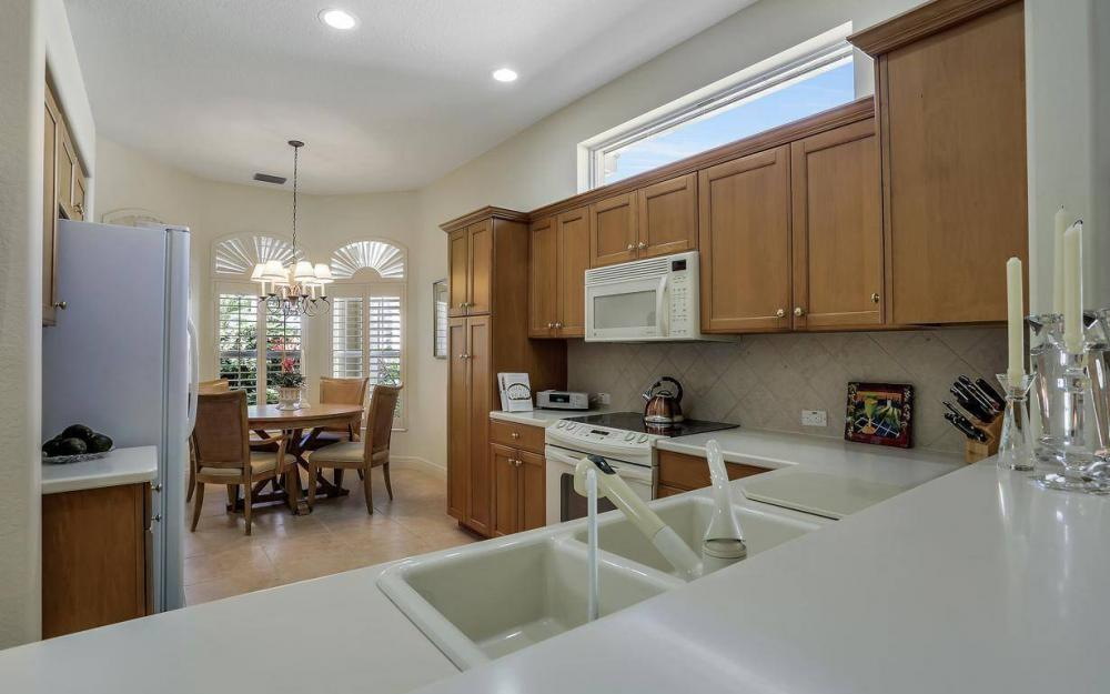 9146 Troon Lakes Dr, Naples - Home For Sale 643638583