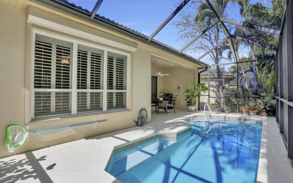 9146 Troon Lakes Dr, Naples - Home For Sale 317769162