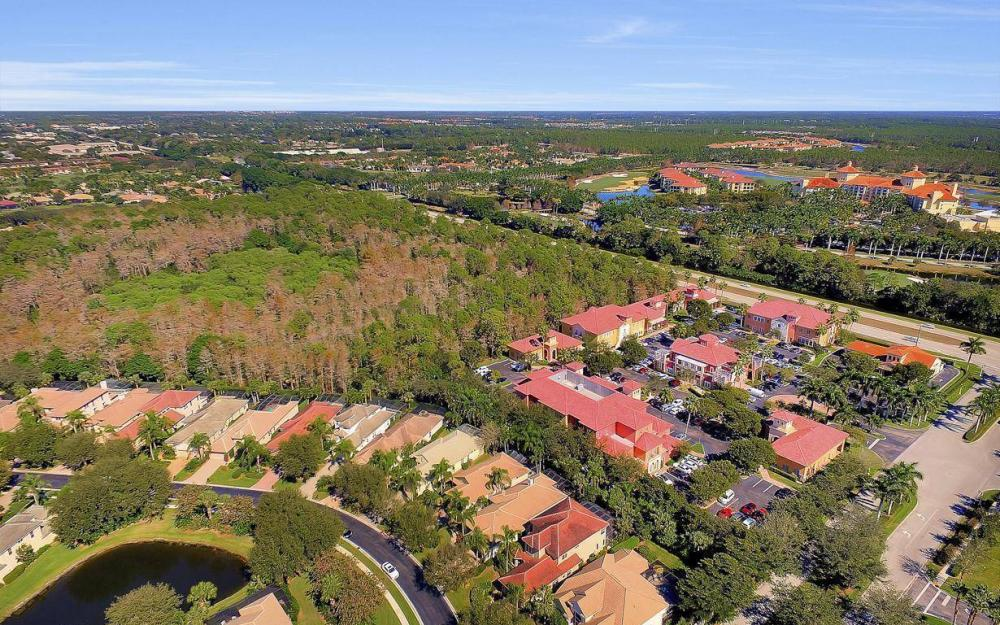 9146 Troon Lakes Dr, Naples - Home For Sale 579197566