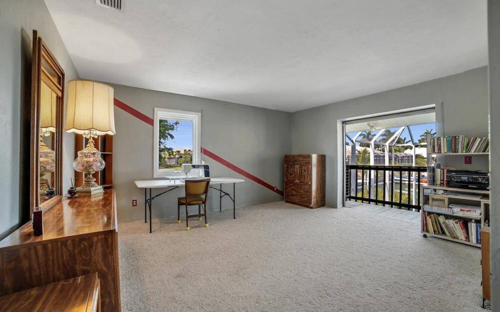 682 Crescent St, Marco Island - Home For Sale 1350704887