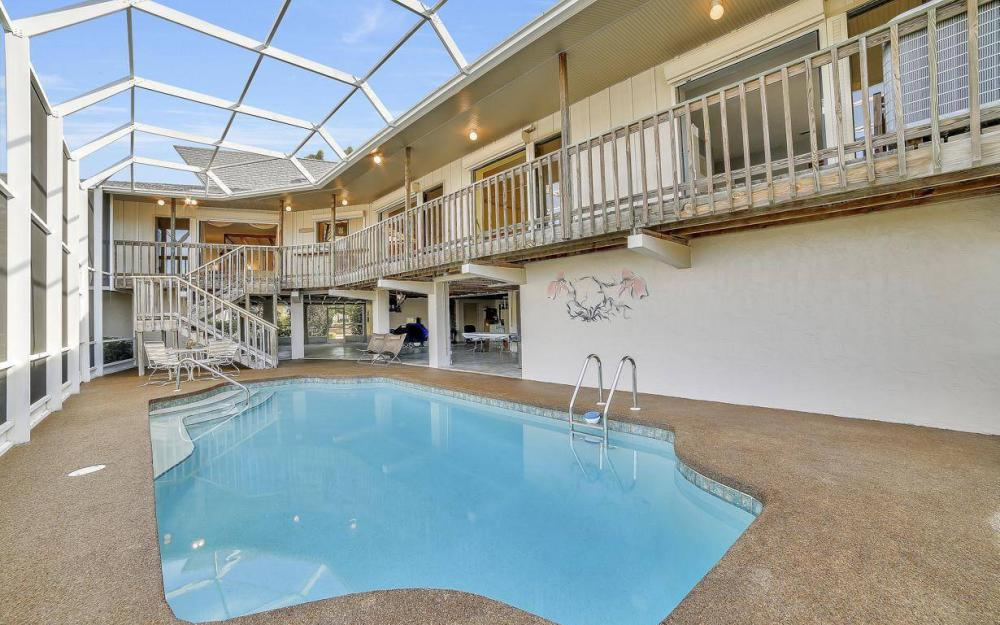 682 Crescent St, Marco Island - Home For Sale 893298098