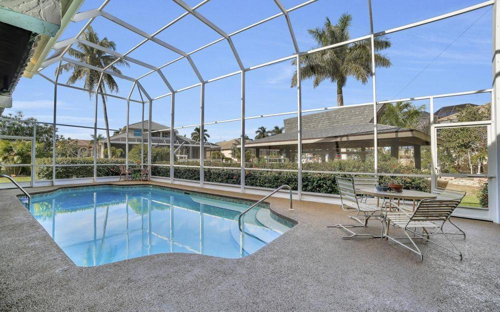 682 Crescent St, Marco Island - Home For Sale 1613073795