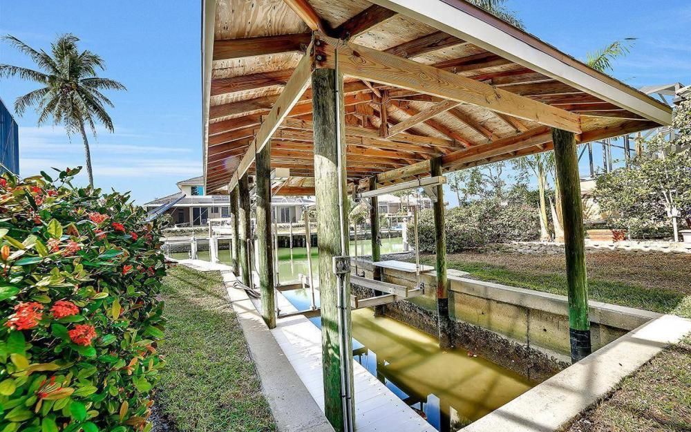 682 Crescent St, Marco Island - Home For Sale 1055250363