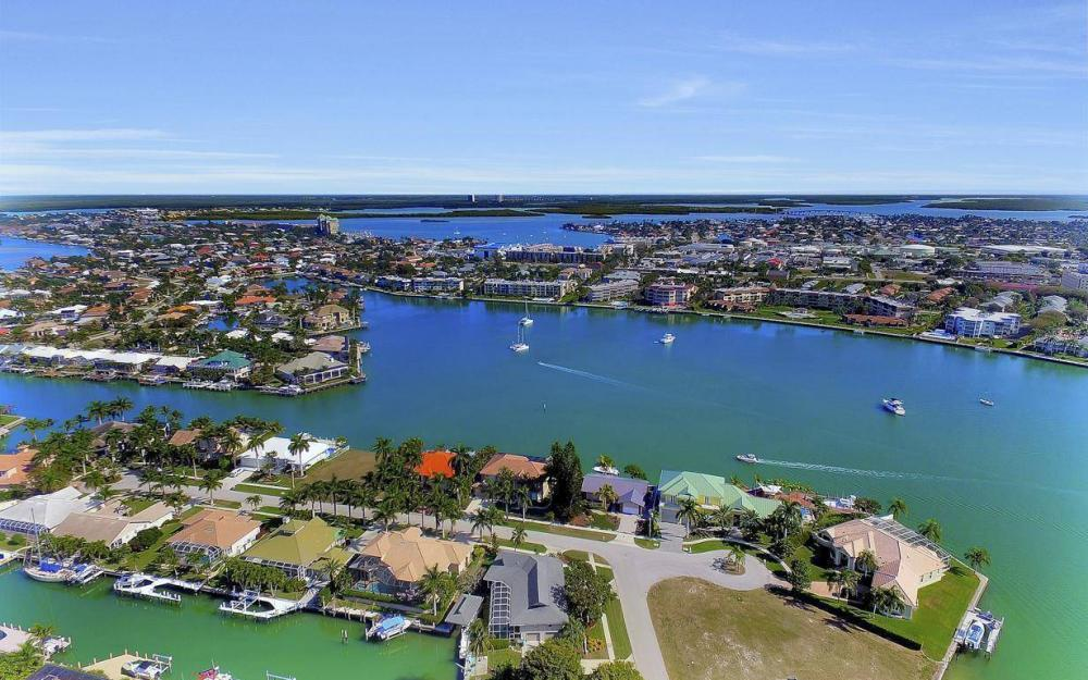 682 Crescent St, Marco Island - Home For Sale 1618304809