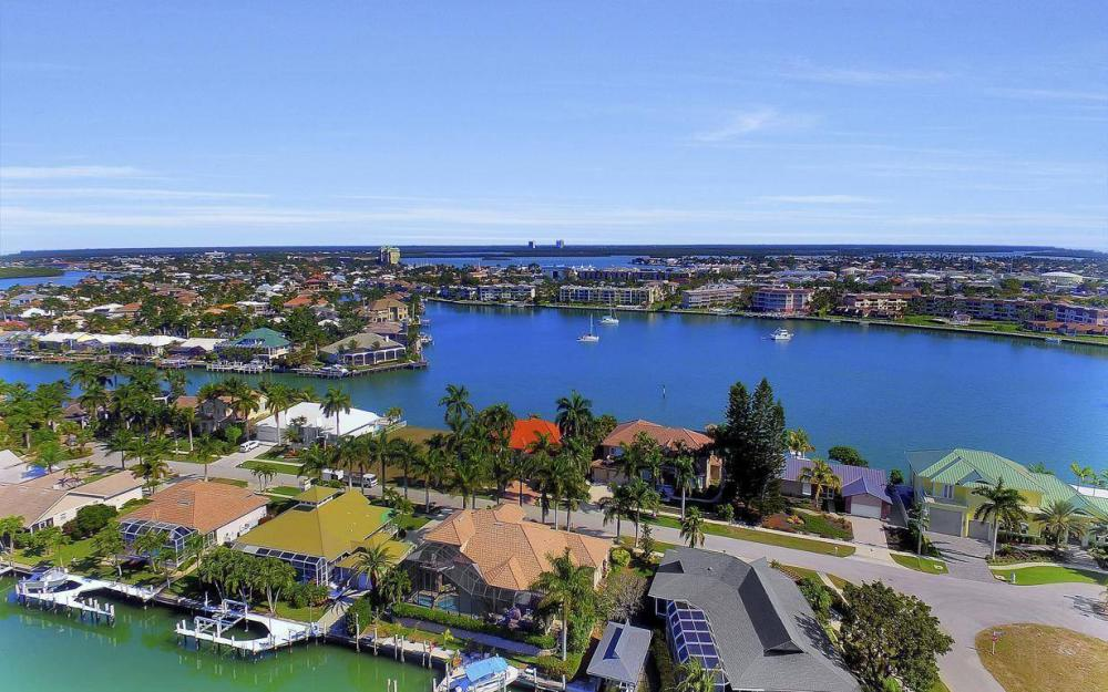 682 Crescent St, Marco Island - Home For Sale 1727715457