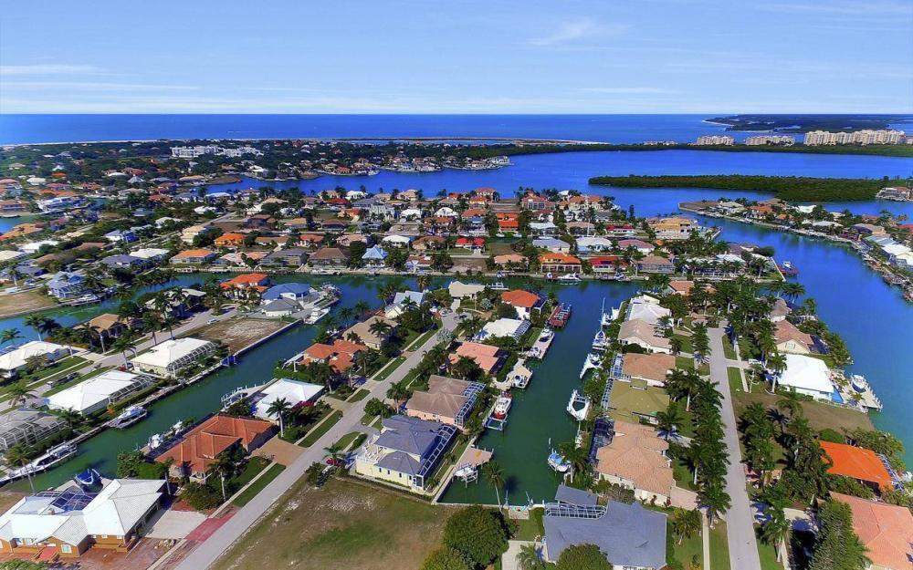 682 Crescent St, Marco Island - Home For Sale 884530798