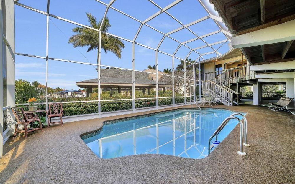 682 Crescent St, Marco Island - Home For Sale 627473840