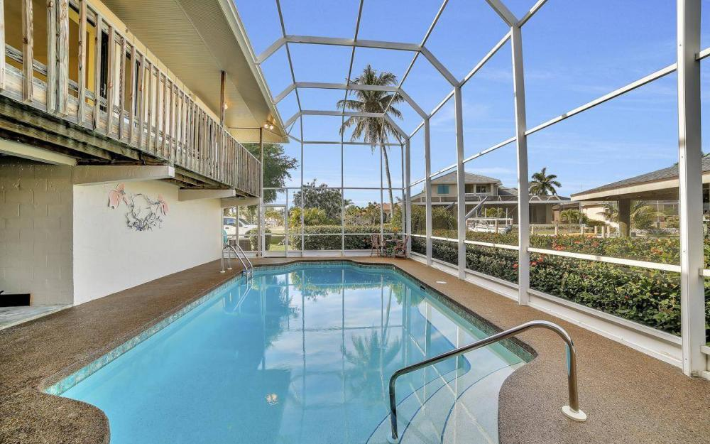 682 Crescent St, Marco Island - Home For Sale 50238493