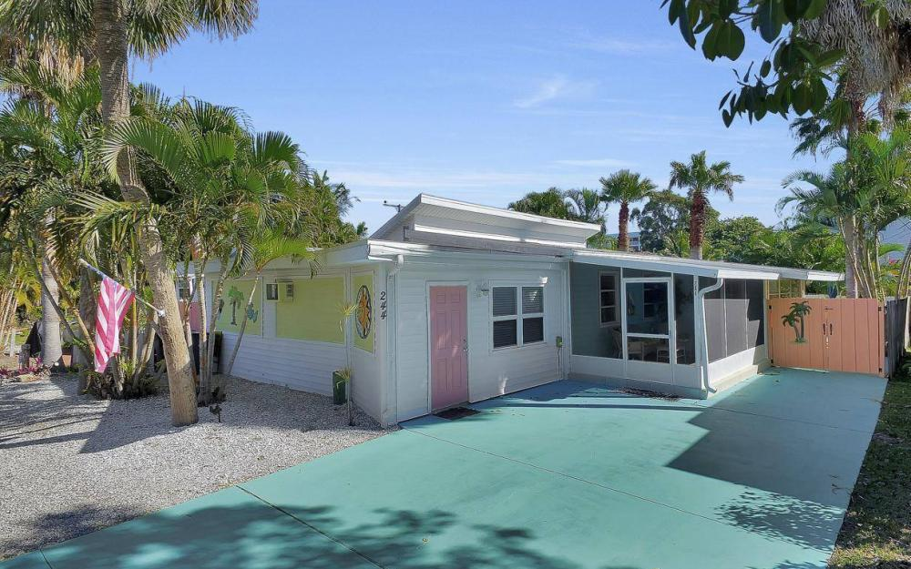 244 Pearl St, Fort Myers Beach - Home For Sale 1426819681