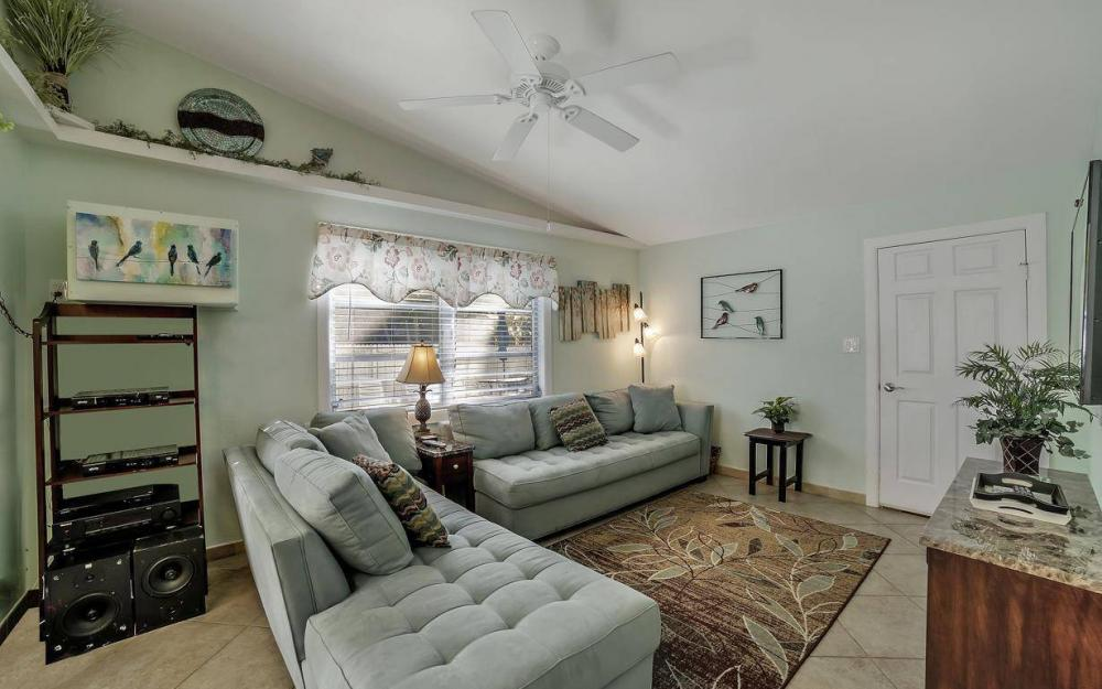 244 Pearl St, Fort Myers Beach - Home For Sale 1128894724