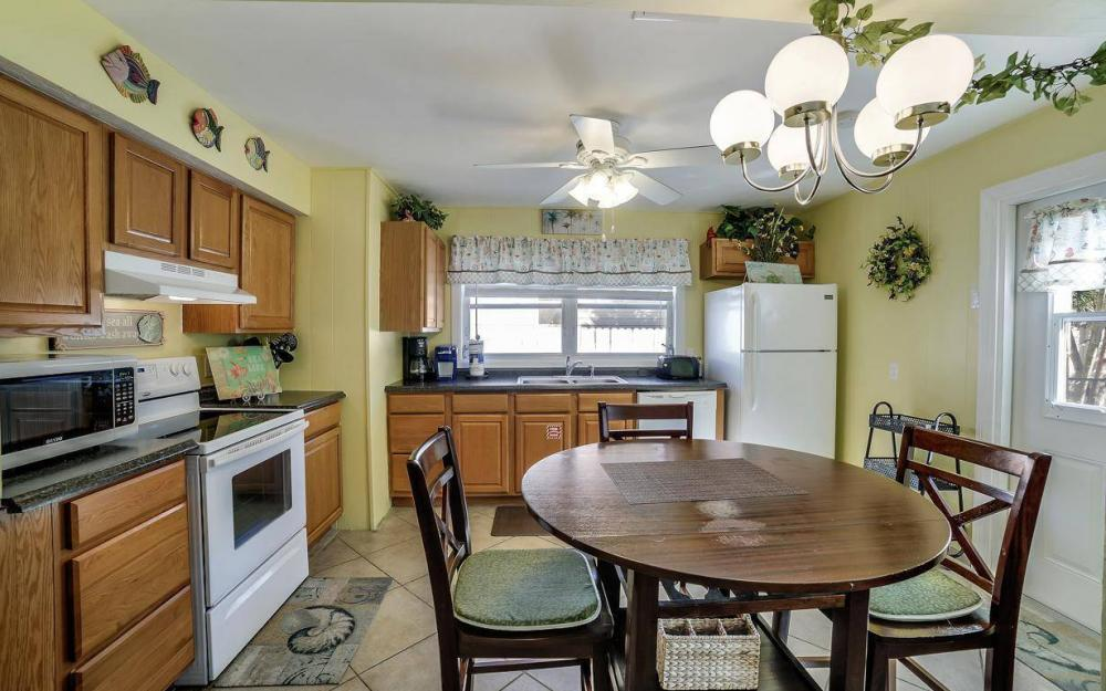 244 Pearl St, Fort Myers Beach - Home For Sale 1788839936