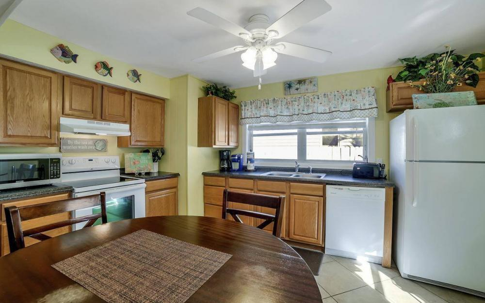 244 Pearl St, Fort Myers Beach - Home For Sale 1508291840