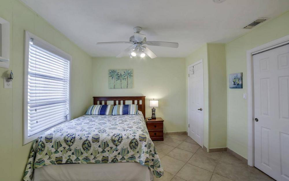 244 Pearl St, Fort Myers Beach - Home For Sale 951493134