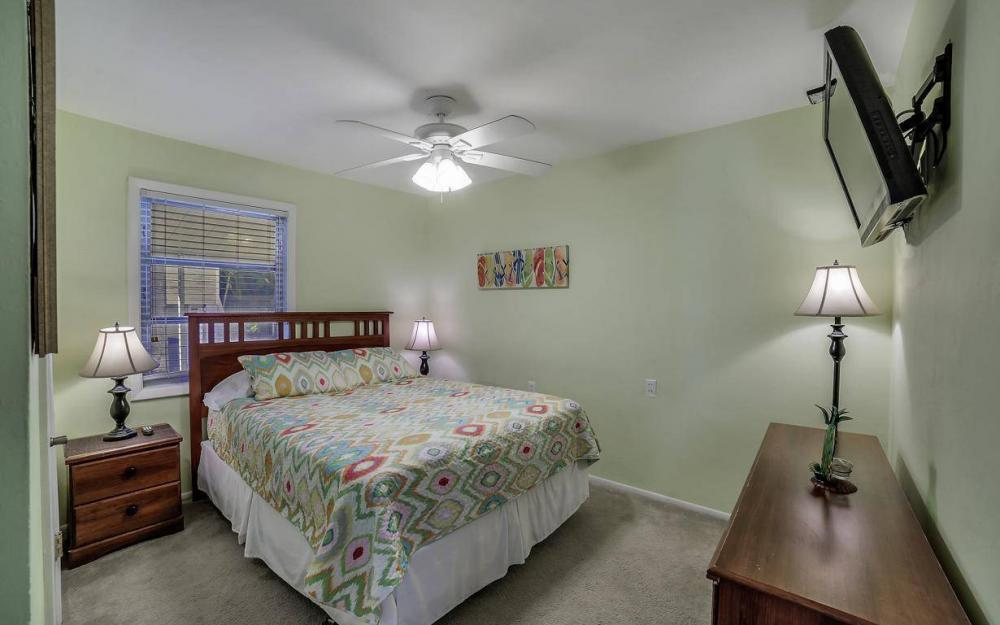 244 Pearl St, Fort Myers Beach - Home For Sale 2118980069