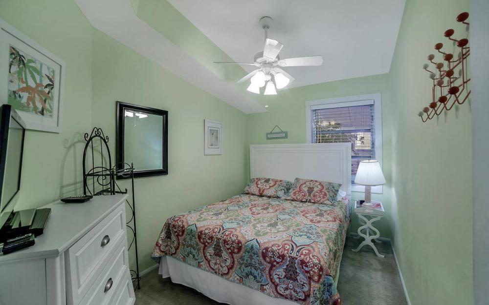 244 Pearl St, Fort Myers Beach - Home For Sale 1340773338