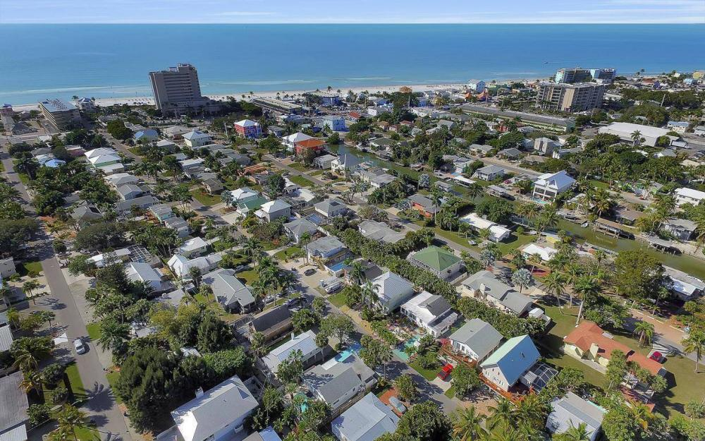244 Pearl St, Fort Myers Beach - Home For Sale 1279790038