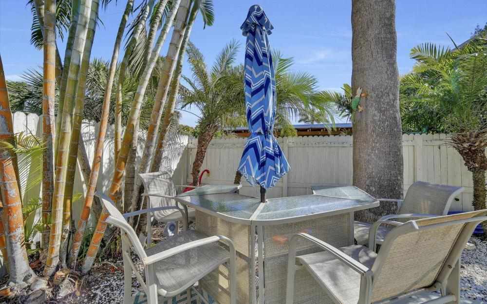 244 Pearl St, Fort Myers Beach - Home For Sale 1989197820