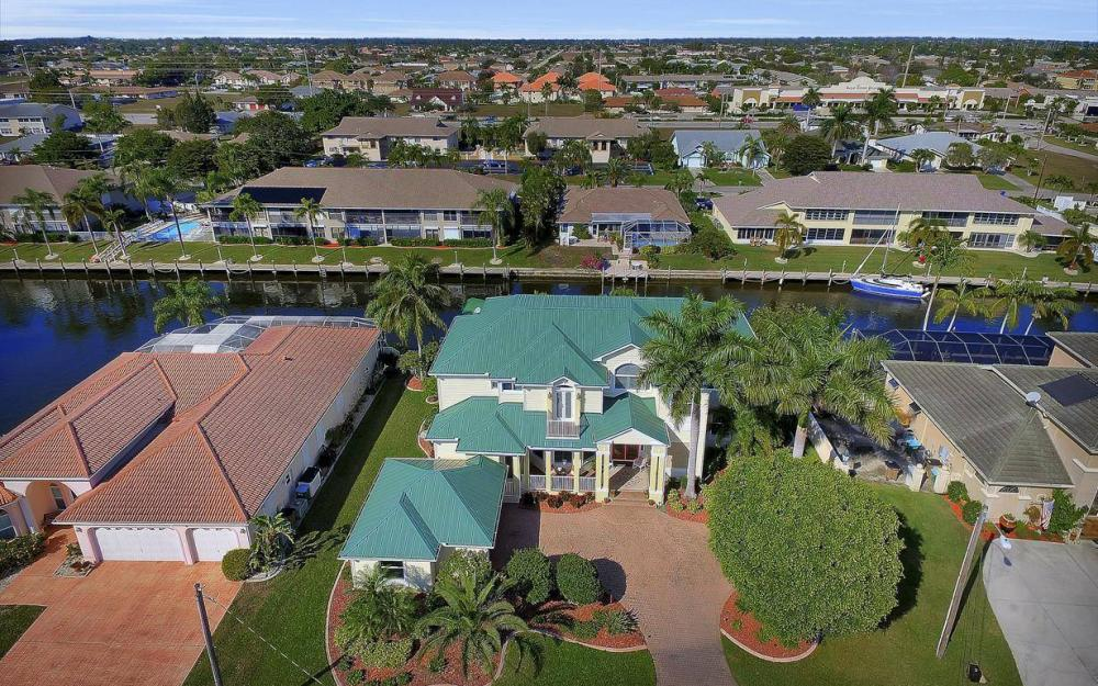 4901 SW 8th Ct, Cape Coral - Luxury Home For Sale 1071508310