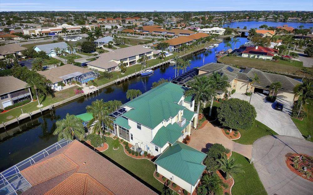 4901 SW 8th Ct, Cape Coral - Luxury Home For Sale 344217306